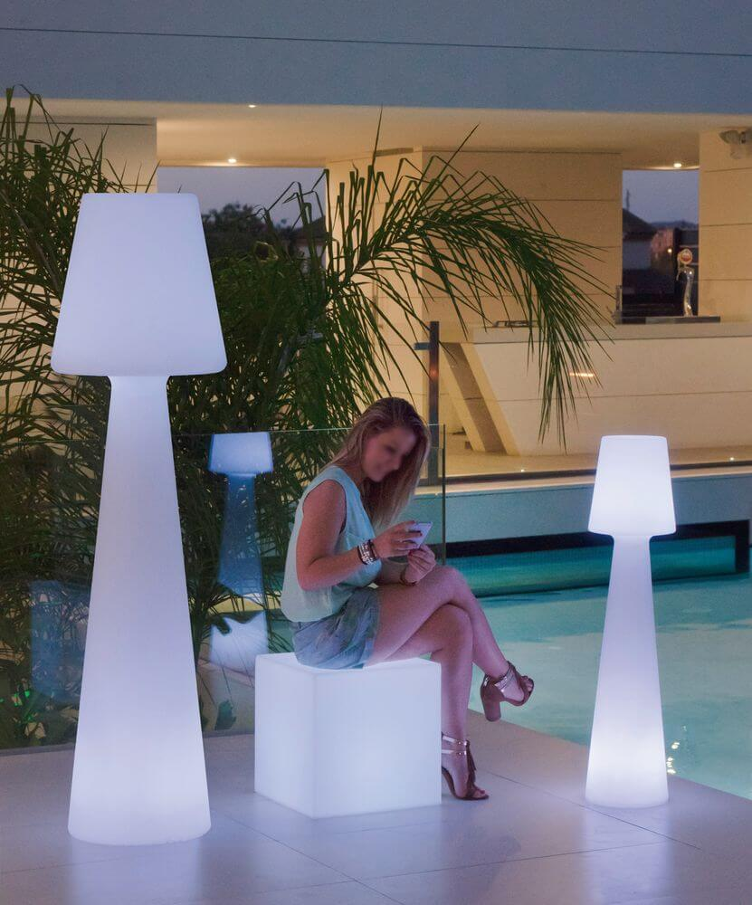 NewGarden LOLA 20 LED große Stehlampe für Garten, Terrasse 20cm ...